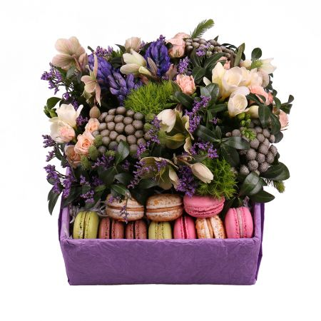Order bouquet of flowers with delivery